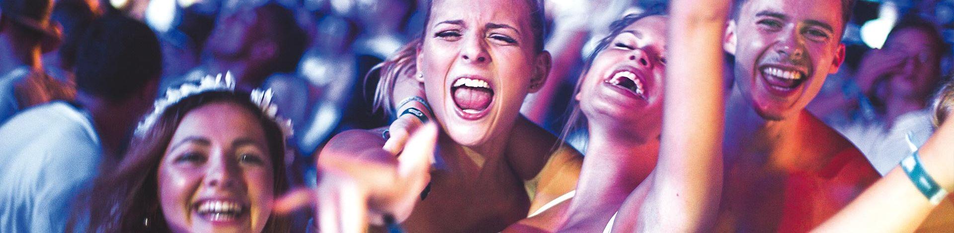 Jugendliche bei Party von Summersplash